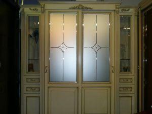 Классический шкаф купе массив с фацетными зеркалами и гравировкой Батайск