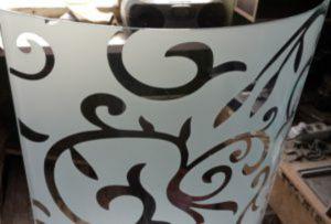 Стекло радиусное с пескоструйным рисунком для радиусных дверей Батайск